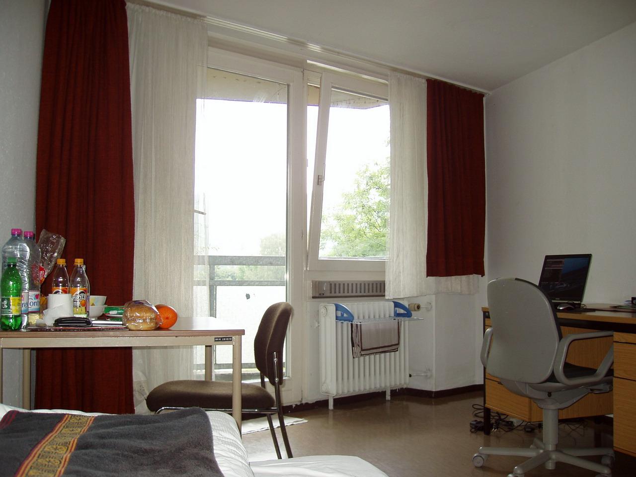 wohnung gesucht esslingen br hl bis 200 eur kaltmiete ab 1 zimmer und ab 21qm studenten. Black Bedroom Furniture Sets. Home Design Ideas